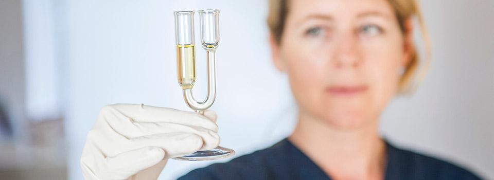 Blut- und Urinuntersuchungen sind zentrales Element der gründlichen Anamnese von Heilpraktikerin Sarah Rodeck aus Hamburg